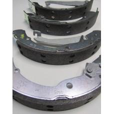Колодки тормозные задние для VW Polo седан (CFNA, CFNB 1,6), VAG 1J0698525B